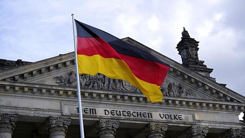 Almanya 2021 büyüme tahminini düşürdü