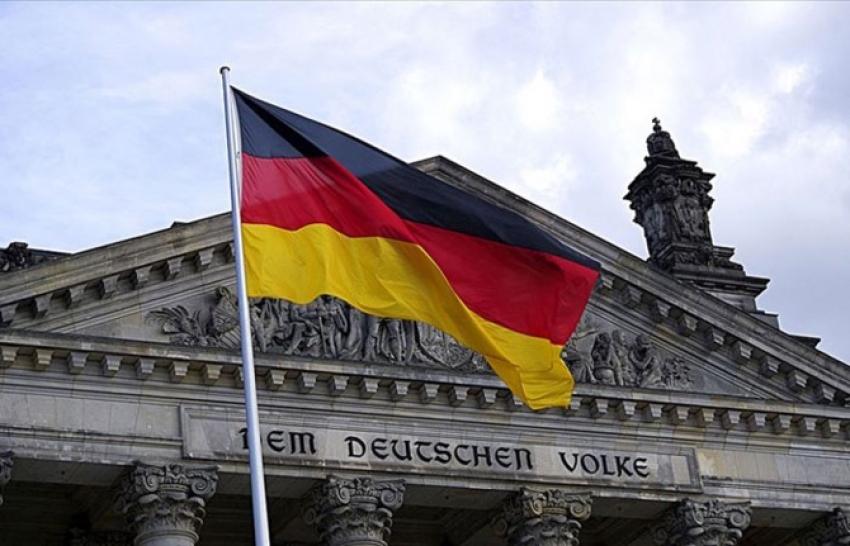 Almanya'da sanayi üretimi nisanda yüzde 17,9 düştü