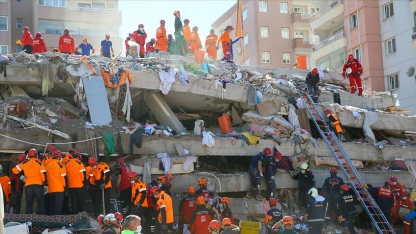 Anne ve 3 çocuğu depremden 23 saat sonra enkazdan yaralı olarak çıkarıldı