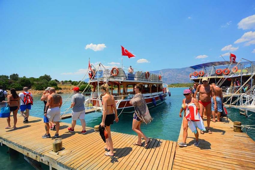 Antalya turizminde 'Ukrayna ve İngiltere' sürprizi sevindirdi