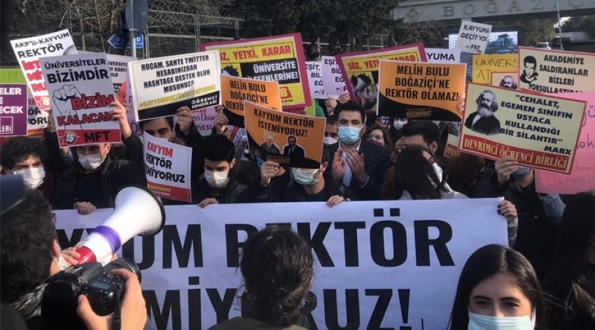 Vali Yerlikaya: Beşiktaş ve Sarıyer'de gösteri ve toplantı yasaklandı