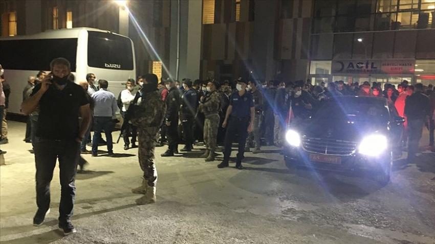 Van'da PKK'lı teröristler yol yapım işçilerine saldırdı: 2 şehit, 8 yaralı