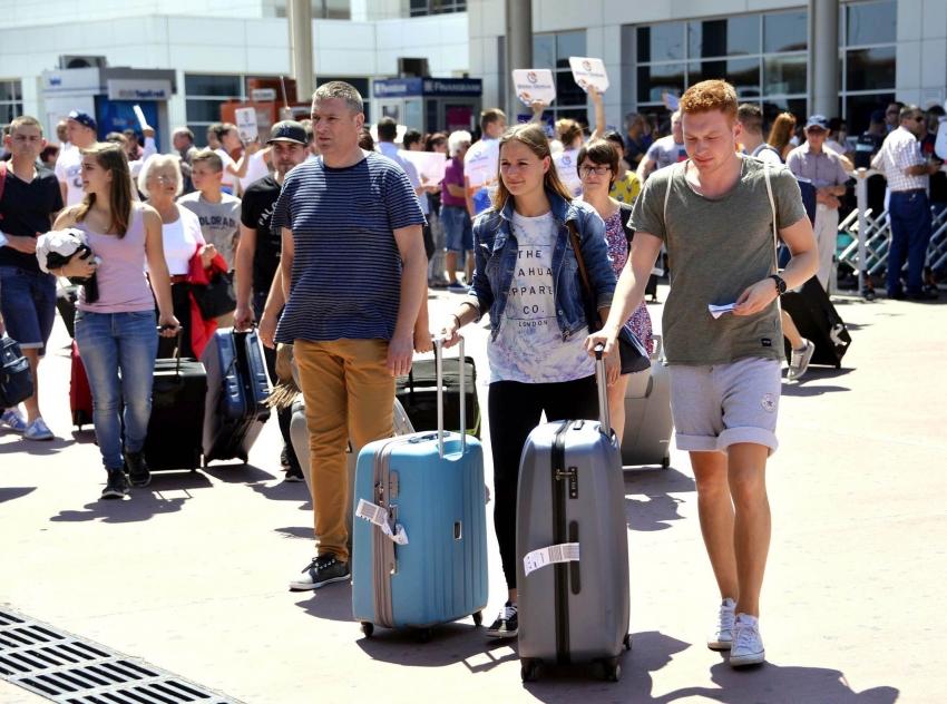 Yabancı turist sayısı mayısta yüzde 99,3 azaldı