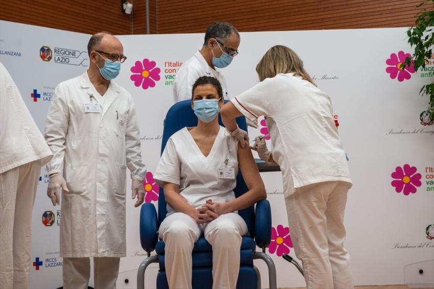 Avusturya ve İtalya'da ilk aşılar yapıldı