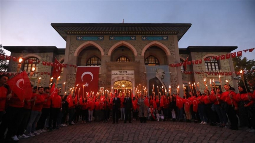 Başkentte 96 meşaleyle Cumhuriyet kutlaması