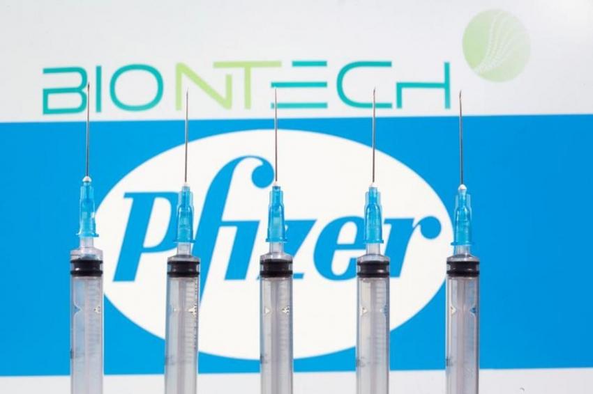 BioNTech ve Pfizer'in geliştirdiği Kovid-19 aşısının AB'de kullanımı onaylandı