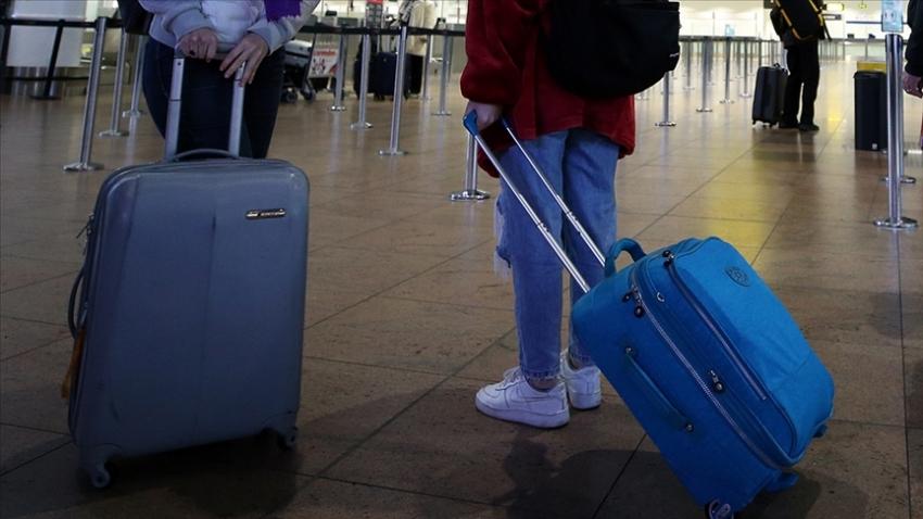 Bir ülke daha İngiltere'ye uçuşları yasakladı