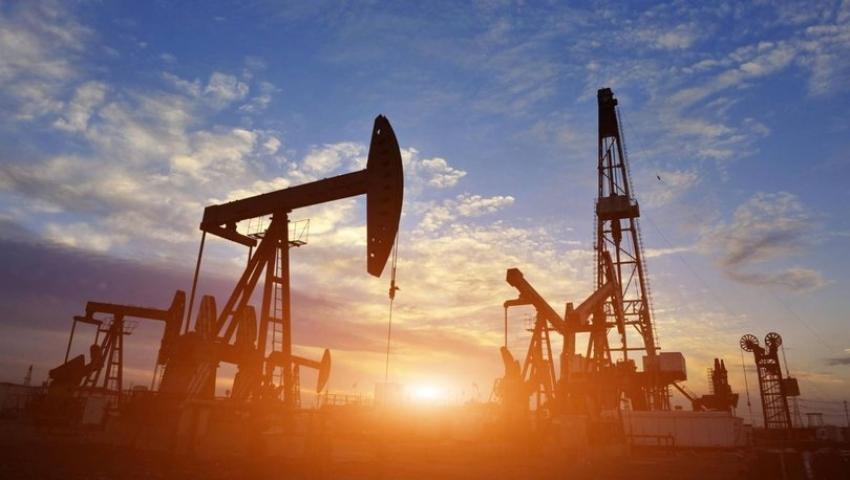 Brent petrolün varili 54,67 dolar