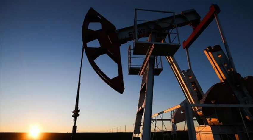 Brent petrolün varili 57,22 dolar