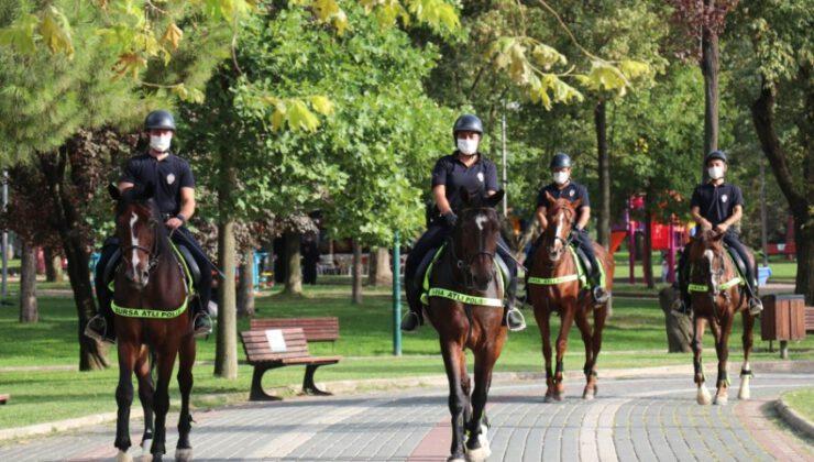 Bursa'da atlı polisler göreve hazır
