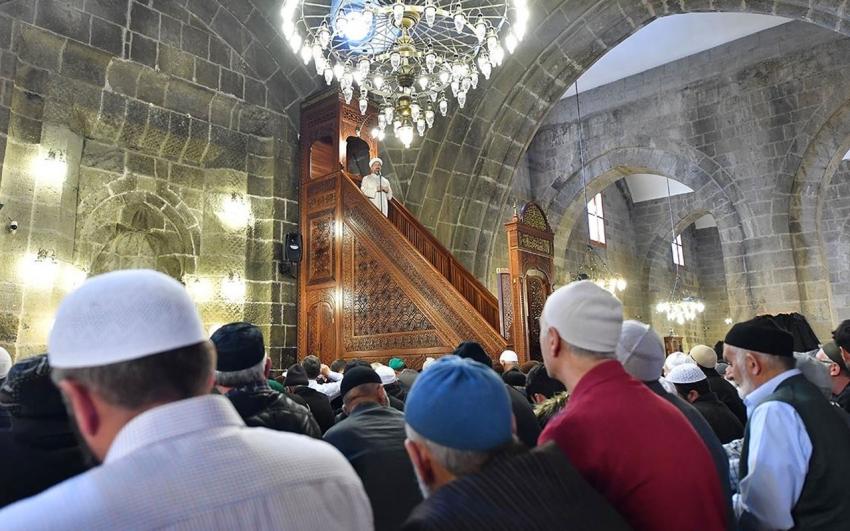 Bursa'da Cuma namazı hangi camide kılınacak?