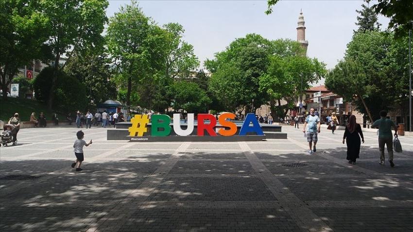Bursa'da sokakta sigara içmek yasaklandı