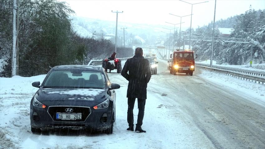 Bursa- Mudanya yolunda kar esareti