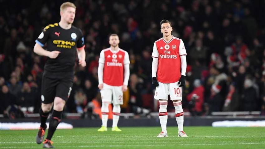 Çin televizyonu Mesut Özil'in tepkisi sonrası Arsenal'in maçını yayından kaldırdı
