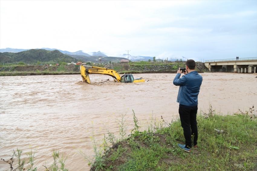 Erzurum'un Oltu'da şiddetli yağış