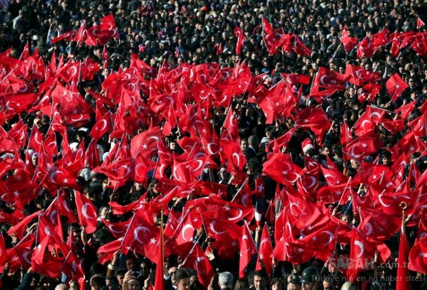 """Hisarcıklıoğlu: """"Yaşasın Cumhuriyet"""""""