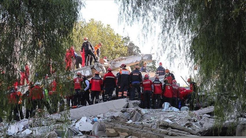 İzmir'de can kaybı 58'e yükseldi
