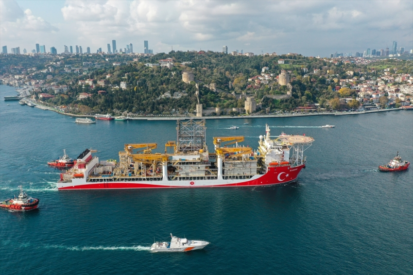 Kanuni sondaj gemisi Karadeniz'e uğurlandı