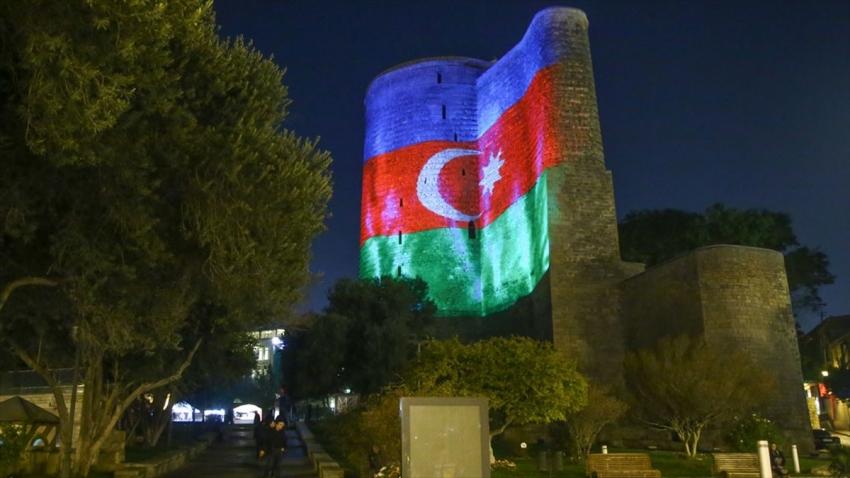 Koronavirüs Azerbaycan'a sıçradı!