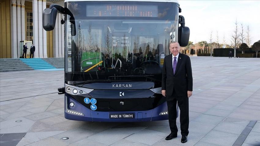 Sürücüsüz elektrikli otobüsü tanıtıldı