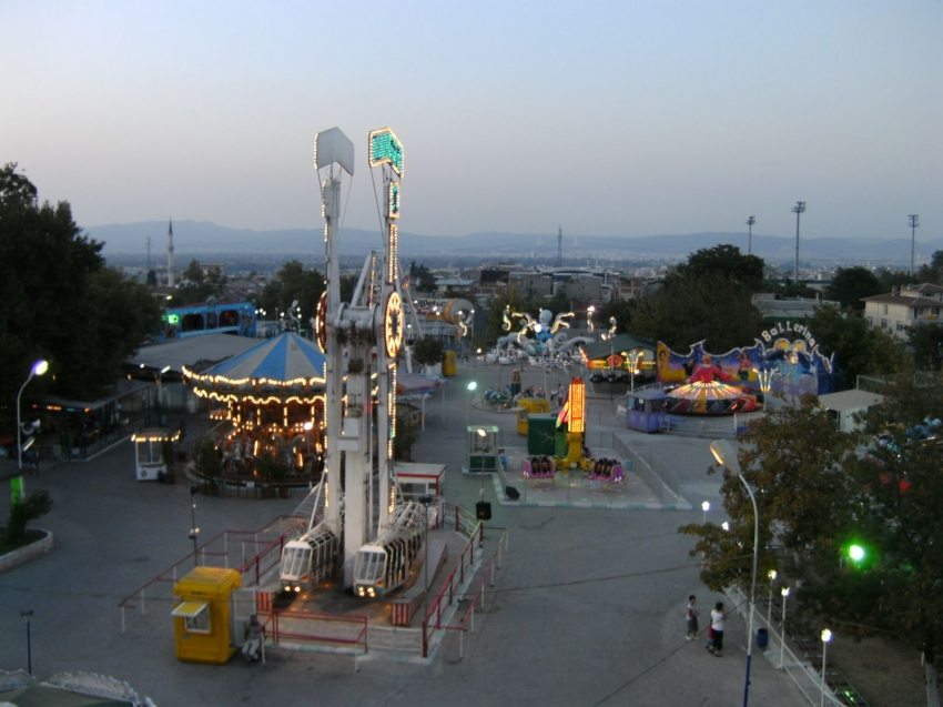 Lunapark ve tematik parklar açılıyor
