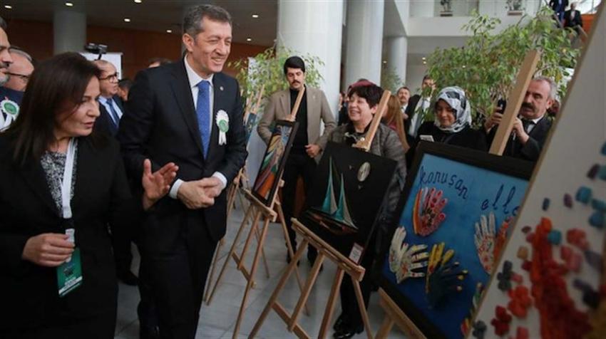 """""""Sanata Engel Yok"""" sergisi Bursa'da açıldı"""