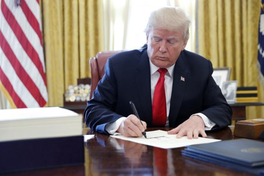 Trump'tan 8,3 Dolar'lık milyarlık imza