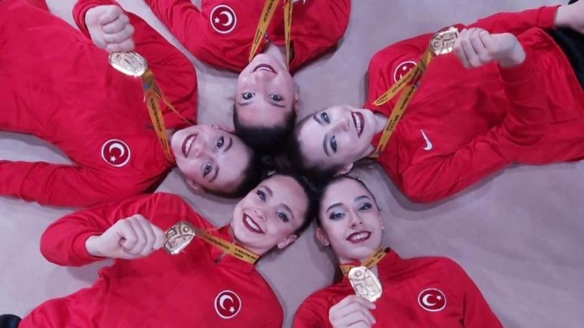 Türk kızları bir ilki başardı