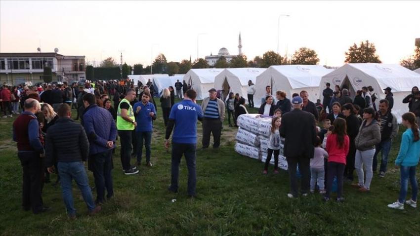Türkiye, Arnavutluk'taki depremzedelere yardım ulaştıran ilk ülke oldu