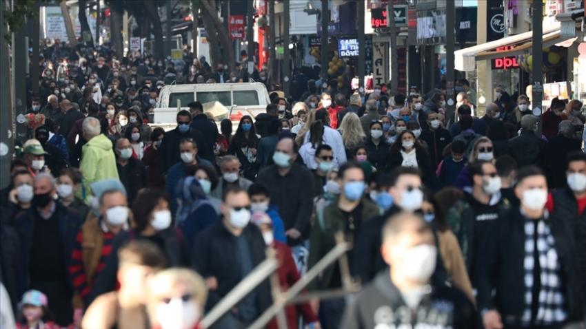 Türkiye'de koronavirüsten can kaybı 13 bin 558 oldu