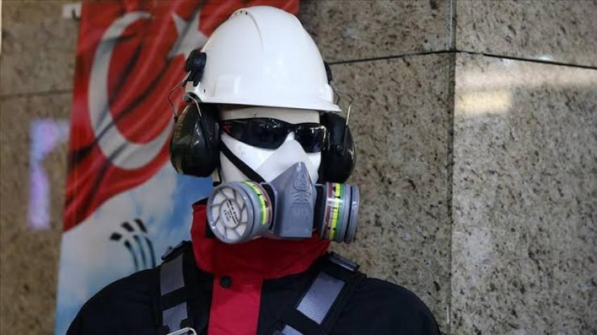 Türkiye'de ürettikleri maskeleri 20 ülkeye ihraç ediyorlar